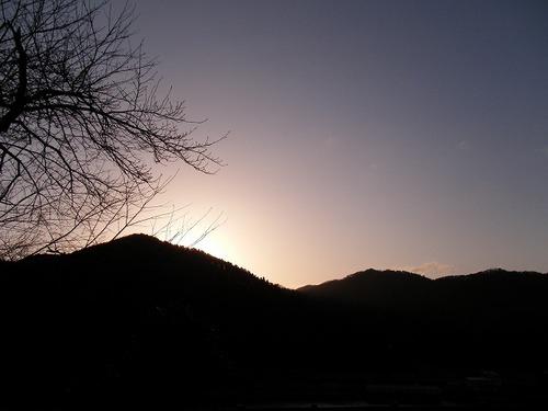 山の向こうへ